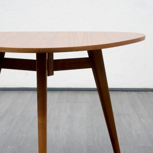 velvet point tische couchtische 50er jahre dreieck couchtisch nussbaum karlsruhe. Black Bedroom Furniture Sets. Home Design Ideas